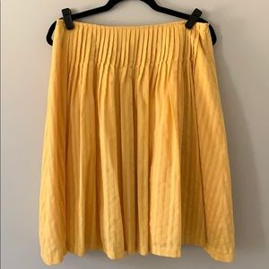 Nordstrom gold yellow A-line pleated skirt. Medium